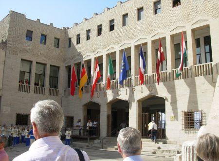 """Il """"Giuramento della Fraternità"""" delle città gemellate con Terracina. Un'amicizia iniziata nel 1956"""