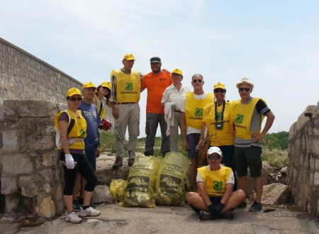 """""""Abbiamo trovato 29 rifiuti ogni 100 metri quadrati sulla spiaggia di Terracina"""". Ecco l'indagine di Legambiente Pisco Montano"""